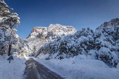 Im Winter werden gelegentlich die Gebirgstrassen auf Mallorca für den Autoverkehr gesperrt